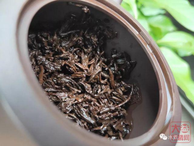 最好喝的熟茶——2000年 班章大白菜 特二号熟茶