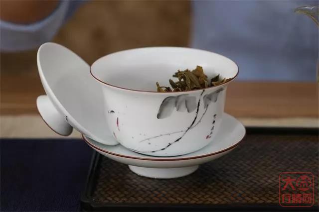 如何通过茶底鉴别普洱茶优劣